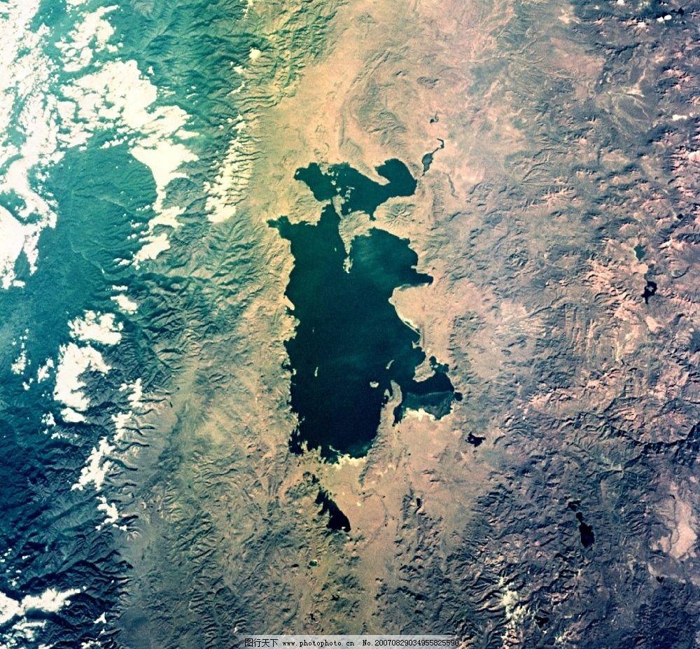 空中俯视地球图片