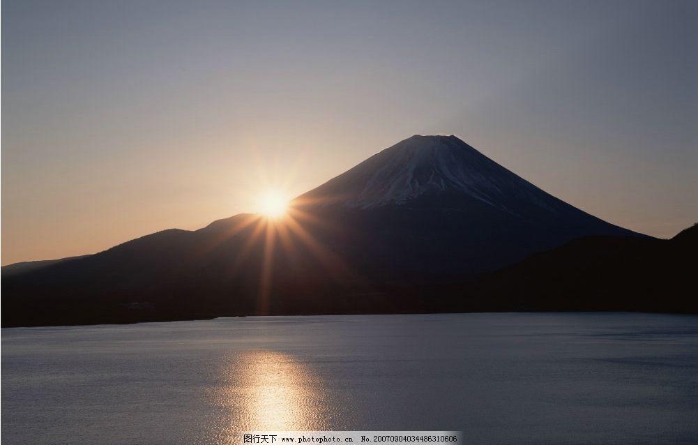 日出 山峰 大山 山 高山 山峰图片 山峰的图片 自然景观 山水风景