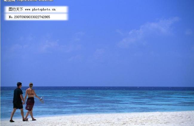 大海的图片 大海图片 国外旅游 海水 海滩 海洋 旅游摄影 滩情侣背影图片