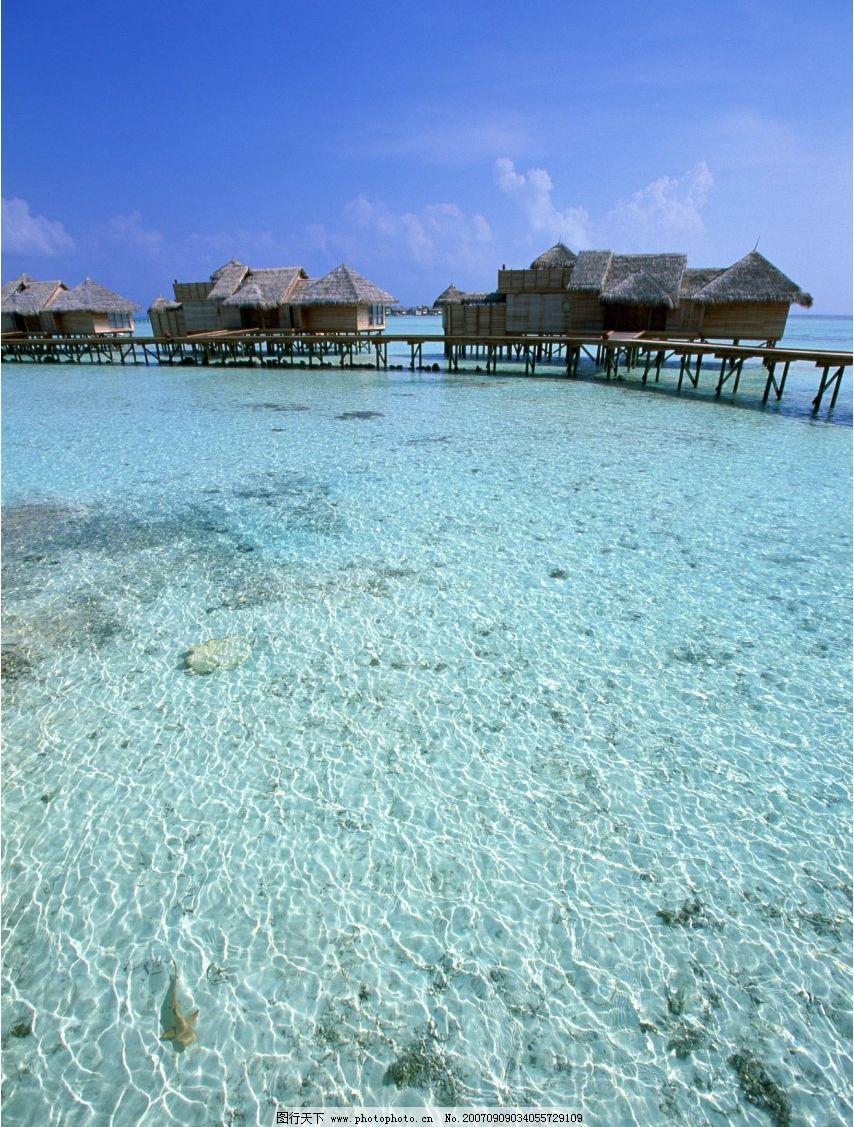 海上度假村 蓝天 海滩 沙滩 大海 海洋 海水 大海图片 大海的图片
