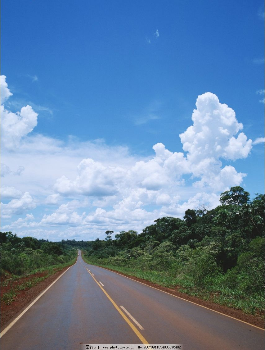 蓝天白云道路图片