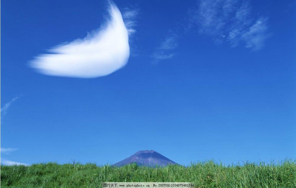 蓝天白云草地 蓝天 阳光 自然景观 自然风景 蓝天风景 摄影图库   350